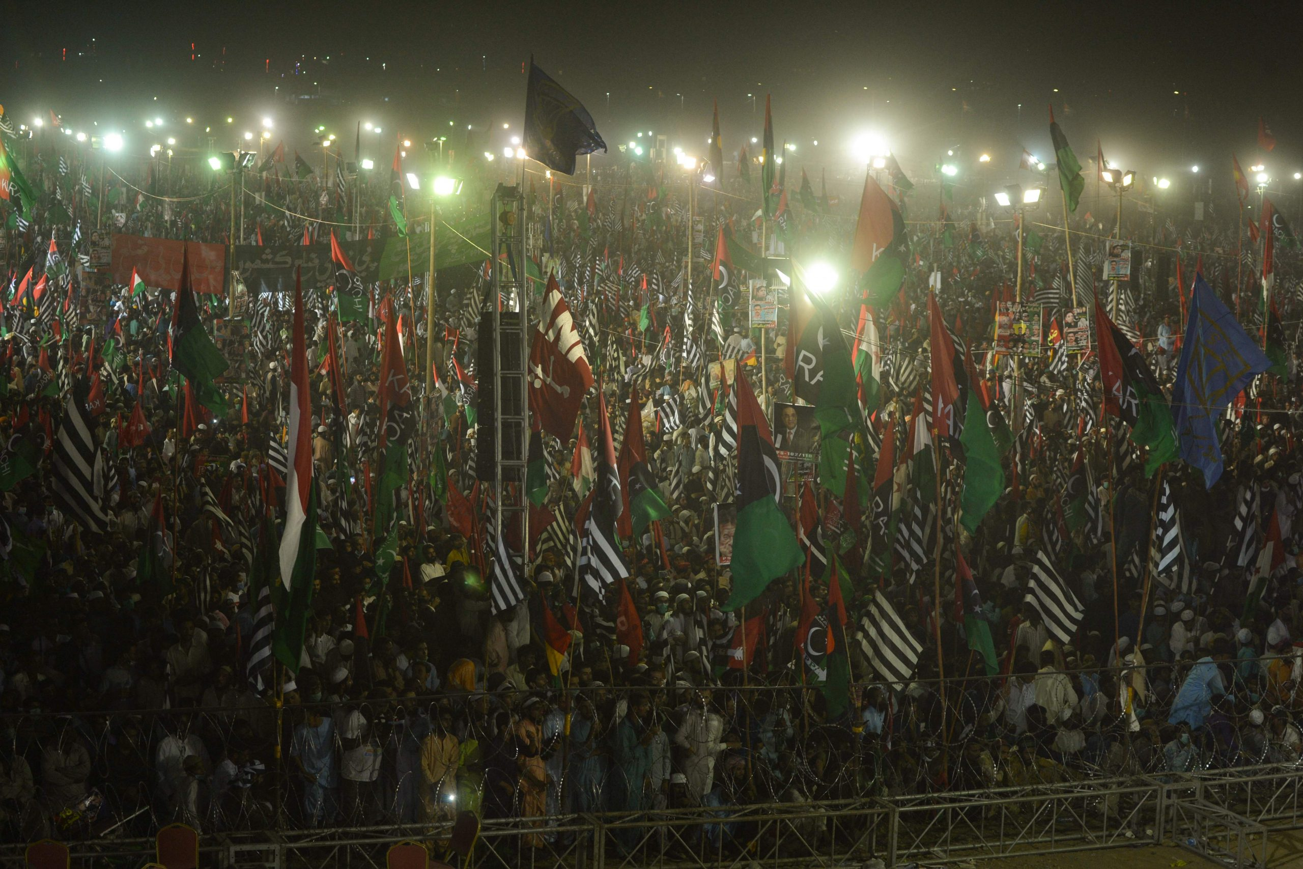 Pakistan protests: Huge rally against Imran Khan draws comparisons to Thailand