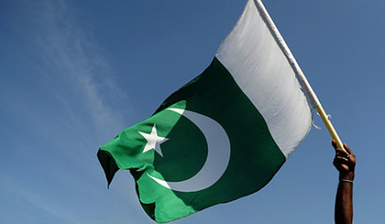 Pakistan foreign borrowing soars to USD 6.7 bn as debt mounts