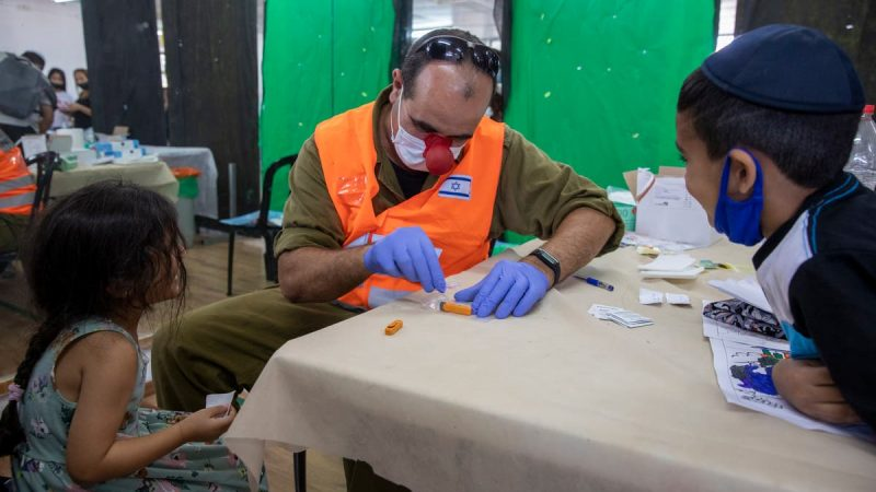 Daily new COVID-19 cases in Israel approach January peak