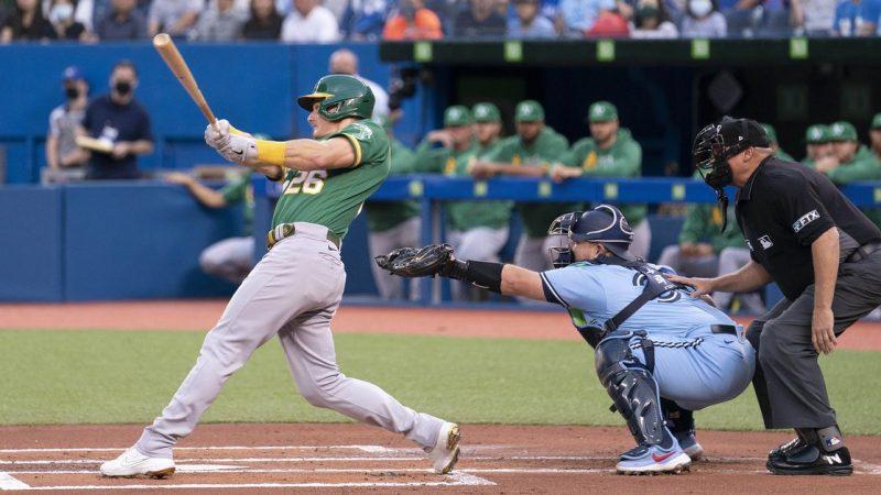 MLB roundup: Jays outslug A's, earn walk-off 11-10 win