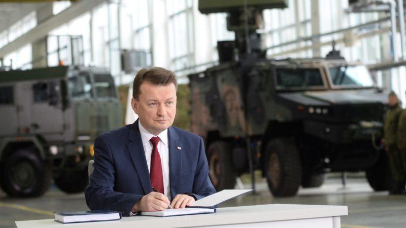 Polish army deployed to Belarus border amid migrant surge