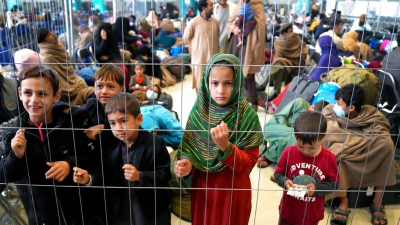 Families displaced to Kabul are ordered to go back to their province